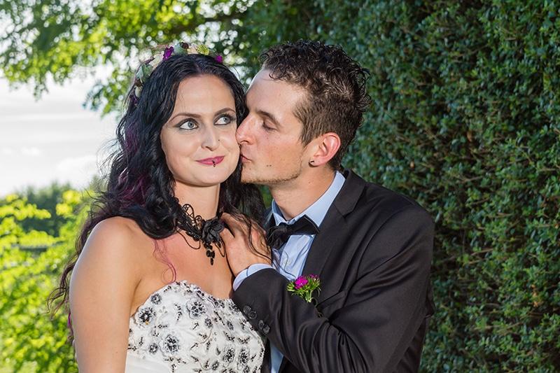 Hochzeitfoto von Braut und Bräutigam
